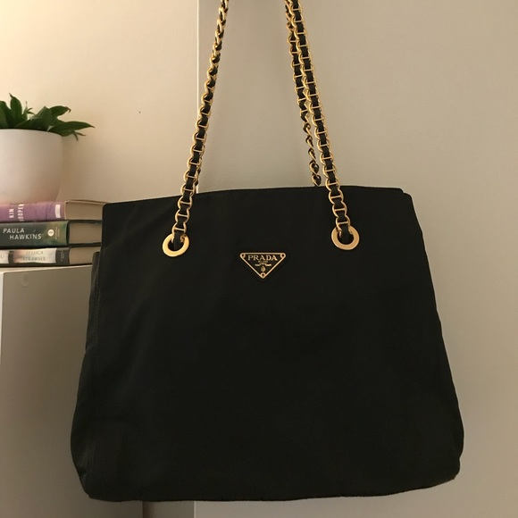 cab3805720f0 100% Authentic Vintage Prada Chain Shoulder Bag. M_5b0f2fbea4c4855195220272